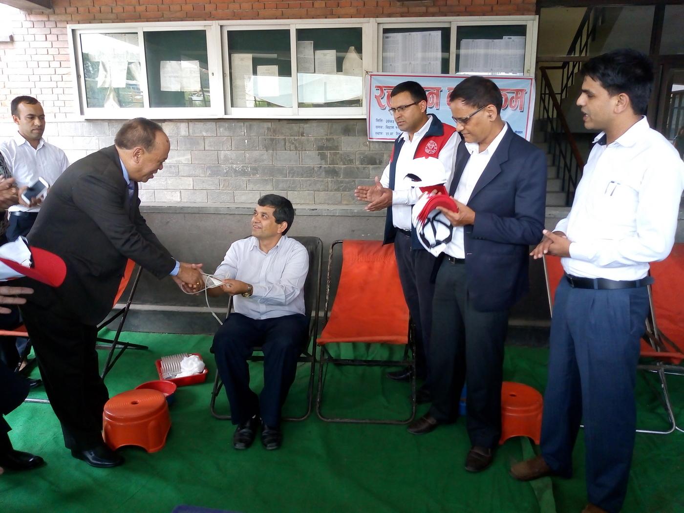 राष्ट्रिय वाणिज्य बैंक कर्मचारी संघ नेपालद्धारा रक्तदान कार्यक्रम आयोजना