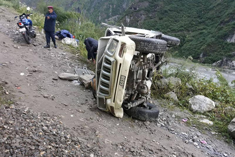 One dies, nine injured in jeep accident